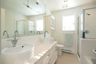 """Photo 21: 2158 W 8TH Avenue in Vancouver: Kitsilano Townhouse for sale in """"Handsdowne Row"""" (Vancouver West)  : MLS®# R2514357"""