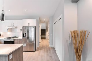 Photo 10: 102 684 Hoylake Ave in : La Thetis Heights Row/Townhouse for sale (Langford)  : MLS®# 859959
