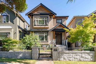 "Main Photo: 7668 SELKIRK Street in Vancouver: South Granville House for sale in ""SOUTH GRANVILLE"" (Vancouver West)  : MLS®# R2520761"