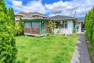 Main Photo: 348 E 15TH Street in North Vancouver: Central Lonsdale House for sale : MLS®# R2526543