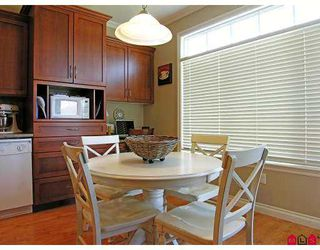 Photo 3: 34095 HIGGINSON CR in Abbotsford: Poplar House for sale : MLS®# F2618063