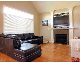 Photo 5: 34095 HIGGINSON CR in Abbotsford: Poplar House for sale : MLS®# F2618063