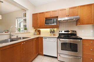 """Photo 8: 245 15 SIXTH Avenue in New Westminster: GlenBrooke North Townhouse for sale in """"Crofton"""" : MLS®# R2396970"""