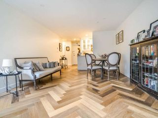 """Photo 7: 213 555 W 14TH Avenue in Vancouver: Fairview VW Condo for sale in """"Cambridge Place"""" (Vancouver West)  : MLS®# R2448193"""