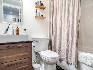 """Photo 11: 213 555 W 14TH Avenue in Vancouver: Fairview VW Condo for sale in """"Cambridge Place"""" (Vancouver West)  : MLS®# R2448193"""