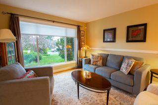 Photo 3: 798 Devon Pl in : PQ Qualicum Beach House for sale (Parksville/Qualicum)  : MLS®# 858440