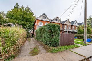 Photo 1: 95 Aikman Avenue in Hamilton: House for sale : MLS®# H4091560