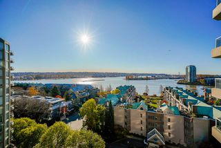 """Photo 5: 1207 1185 QUAYSIDE Drive in New Westminster: Quay Condo for sale in """"RIVIERA TOWERS"""" : MLS®# R2515860"""