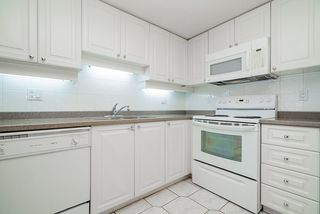 """Photo 17: 1207 1185 QUAYSIDE Drive in New Westminster: Quay Condo for sale in """"RIVIERA TOWERS"""" : MLS®# R2515860"""