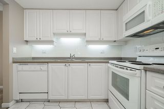 """Photo 18: 1207 1185 QUAYSIDE Drive in New Westminster: Quay Condo for sale in """"RIVIERA TOWERS"""" : MLS®# R2515860"""