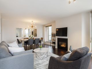 Photo 1: 2003 867 HAMILTON STREET in Vancouver: Downtown VW Condo for sale (Vancouver West)  : MLS®# R2519706