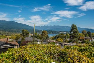 Photo 6: 3941 YALE Street in Burnaby: Vancouver Heights House for sale (Burnaby North)  : MLS®# R2401125
