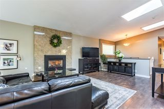 Photo 10: 12104 56 Avenue in Surrey: Panorama Ridge House for sale : MLS®# R2413041