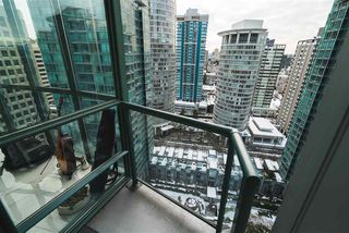 "Photo 9: 2303 1239 W GEORGIA Street in Vancouver: Coal Harbour Condo for sale in ""VENUS"" (Vancouver West)  : MLS®# R2429845"