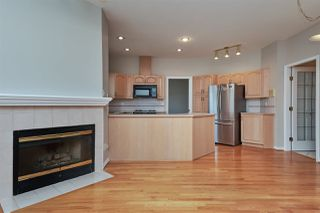 "Photo 3: 6273 W BOUNDARY Drive in Surrey: Panorama Ridge Townhouse for sale in ""LAKEWOOD HEIGHTS"" : MLS®# R2432070"