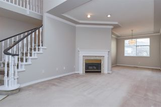 "Photo 2: 6273 W BOUNDARY Drive in Surrey: Panorama Ridge Townhouse for sale in ""LAKEWOOD HEIGHTS"" : MLS®# R2432070"