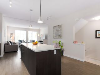 """Photo 7: 110 5550 ADMIRAL Way in Ladner: Neilsen Grove Townhouse for sale in """"FAIRWYNDS AT HAMPTON COVE"""" : MLS®# R2466448"""