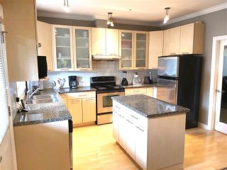 Photo 2: 9 2039 CLARKE Street in Port Moody: Port Moody Centre Townhouse for sale : MLS®# R2471742
