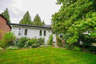 Main Photo: 20427 91A Avenue in Langley: Walnut Grove House for sale : MLS®# R2488594
