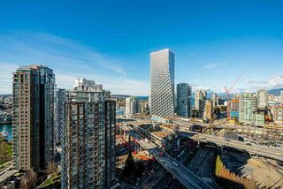 "Photo 5: 2505 501 PACIFIC Street in Vancouver: Downtown VW Condo for sale in ""THE 501"" (Vancouver West)  : MLS®# R2436653"