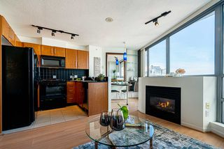 "Photo 2: 2505 501 PACIFIC Street in Vancouver: Downtown VW Condo for sale in ""THE 501"" (Vancouver West)  : MLS®# R2436653"