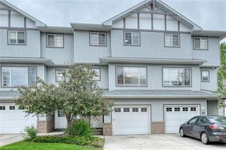 Photo 3: 66 Crystal Shores Cove: Okotoks Row/Townhouse for sale : MLS®# C4305435