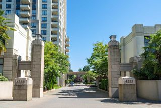 """Photo 2: 306 4333 CENTRAL Boulevard in Burnaby: Metrotown Condo for sale in """"PRESIDIA"""" (Burnaby South)  : MLS®# R2480001"""