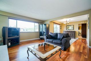 Photo 6: 7122 PAULUS Court in Burnaby: Montecito House for sale (Burnaby North)  : MLS®# R2498187