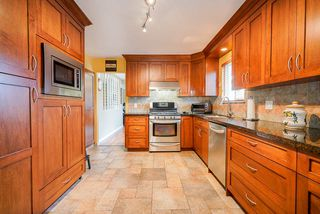 Photo 8: 7122 PAULUS Court in Burnaby: Montecito House for sale (Burnaby North)  : MLS®# R2498187