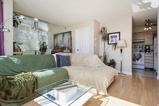 """Photo 3: PH2 4838 FRASER Street in Vancouver: Fraser VE Condo for sale in """"Fraserview Court"""" (Vancouver East)  : MLS®# R2389045"""