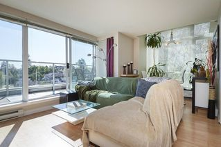 """Photo 2: PH2 4838 FRASER Street in Vancouver: Fraser VE Condo for sale in """"Fraserview Court"""" (Vancouver East)  : MLS®# R2389045"""
