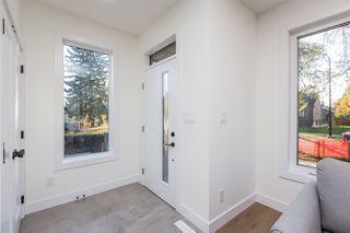 Photo 2: 10961 138 Street NW in Edmonton: Zone 07 House for sale : MLS®# E4190993