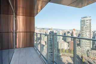 "Photo 9: 3507 1480 HOWE Street in Vancouver: Yaletown Condo for sale in ""VANCOUVER HOUSE"" (Vancouver West)  : MLS®# R2445993"