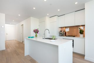 "Photo 6: 3507 1480 HOWE Street in Vancouver: Yaletown Condo for sale in ""VANCOUVER HOUSE"" (Vancouver West)  : MLS®# R2445993"