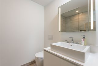 "Photo 18: 3507 1480 HOWE Street in Vancouver: Yaletown Condo for sale in ""VANCOUVER HOUSE"" (Vancouver West)  : MLS®# R2445993"