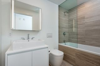 "Photo 7: 3507 1480 HOWE Street in Vancouver: Yaletown Condo for sale in ""VANCOUVER HOUSE"" (Vancouver West)  : MLS®# R2445993"