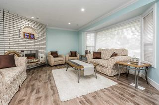 Photo 3: 15110 SPENSER Drive in Surrey: Bear Creek Green Timbers House for sale : MLS®# R2463752
