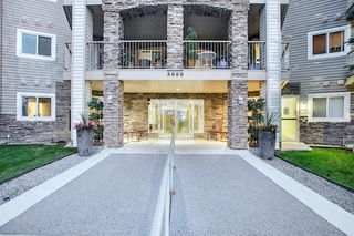 Photo 2: 405 5000 Somervale Court SW in Calgary: Somerset Apartment for sale : MLS®# A1023136