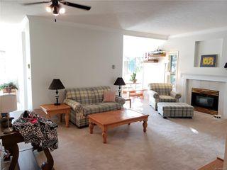 Photo 2: 206 1686 Balmoral Ave in : CV Comox (Town of) Condo for sale (Comox Valley)  : MLS®# 854275