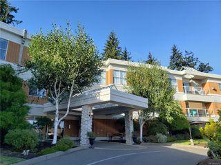 Photo 1: 206 1686 Balmoral Ave in : CV Comox (Town of) Condo for sale (Comox Valley)  : MLS®# 854275