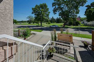 Photo 2: 11216 79 Street in Edmonton: Zone 09 House for sale : MLS®# E4216466