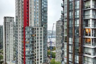 """Photo 14: 2302 1166 MELVILLE Street in Vancouver: Coal Harbour Condo for sale in """"ORCA PLACE"""" (Vancouver West)  : MLS®# R2407401"""