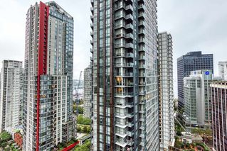 """Photo 15: 2302 1166 MELVILLE Street in Vancouver: Coal Harbour Condo for sale in """"ORCA PLACE"""" (Vancouver West)  : MLS®# R2407401"""