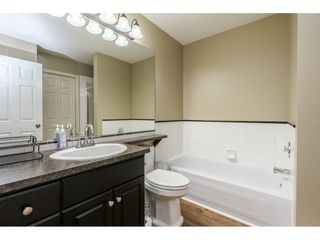 """Photo 13: 12 20761 TELEGRAPH Trail in Langley: Walnut Grove Townhouse for sale in """"Woodbridge"""" : MLS®# R2456523"""