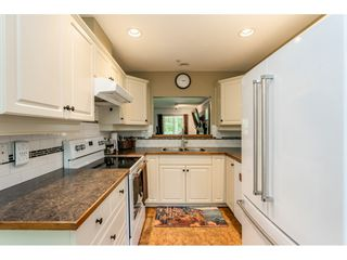 """Photo 3: 12 20761 TELEGRAPH Trail in Langley: Walnut Grove Townhouse for sale in """"Woodbridge"""" : MLS®# R2456523"""