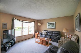 Photo 4: 14 Cedargrove Crescent in Winnipeg: Mission Gardens Residential for sale (3K)  : MLS®# 202011727