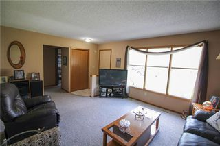 Photo 3: 14 Cedargrove Crescent in Winnipeg: Mission Gardens Residential for sale (3K)  : MLS®# 202011727