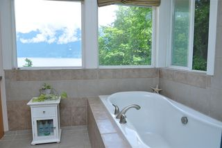 Photo 22: 229 MOONWINKS Drive: Bowen Island House for sale : MLS®# R2465957