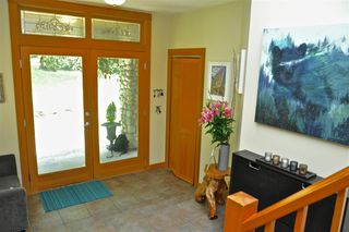 Photo 4: 229 MOONWINKS Drive: Bowen Island House for sale : MLS®# R2465957
