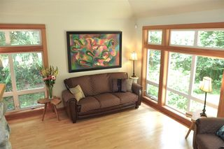 Photo 6: 229 MOONWINKS Drive: Bowen Island House for sale : MLS®# R2465957